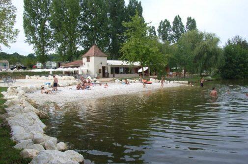 Camping Le Domaine des Etangs du Plessac Aquitaine